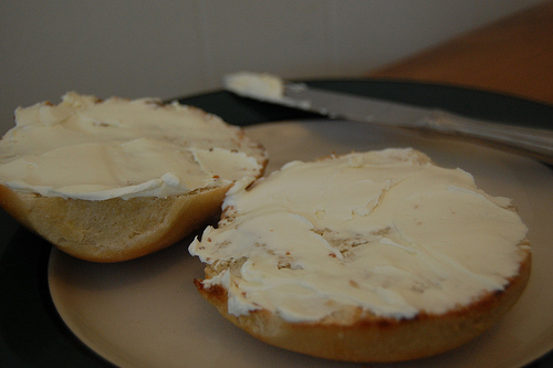 bagel with cream cheese shmeer